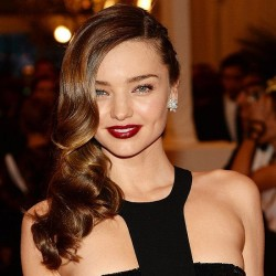4 Steps to Healthy, Shiny Hair! A Guide To Achieving Incredible Shine at Home
