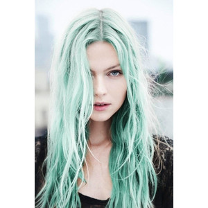 3 Ways To Rock the Mint Green Hair Trend