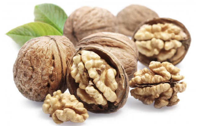 eat walnuts for healthy hair